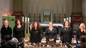 Discantus - Chants de pelerins - Chartres - EB - 7748 (002) - Copie