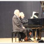 1 piano 4 mains