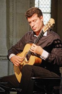 6 Emmanuel Rossfelder 11.10.2020 guitare2
